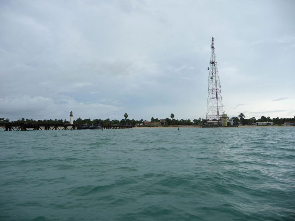 Nach dem Schwimmen zwischen Sri Lanka und Indien kommen wir zurück nach Thalaimanner.